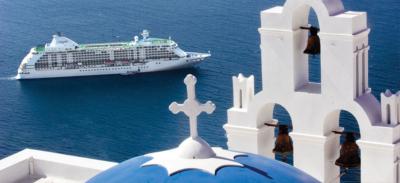 Regent cruise in Santorini