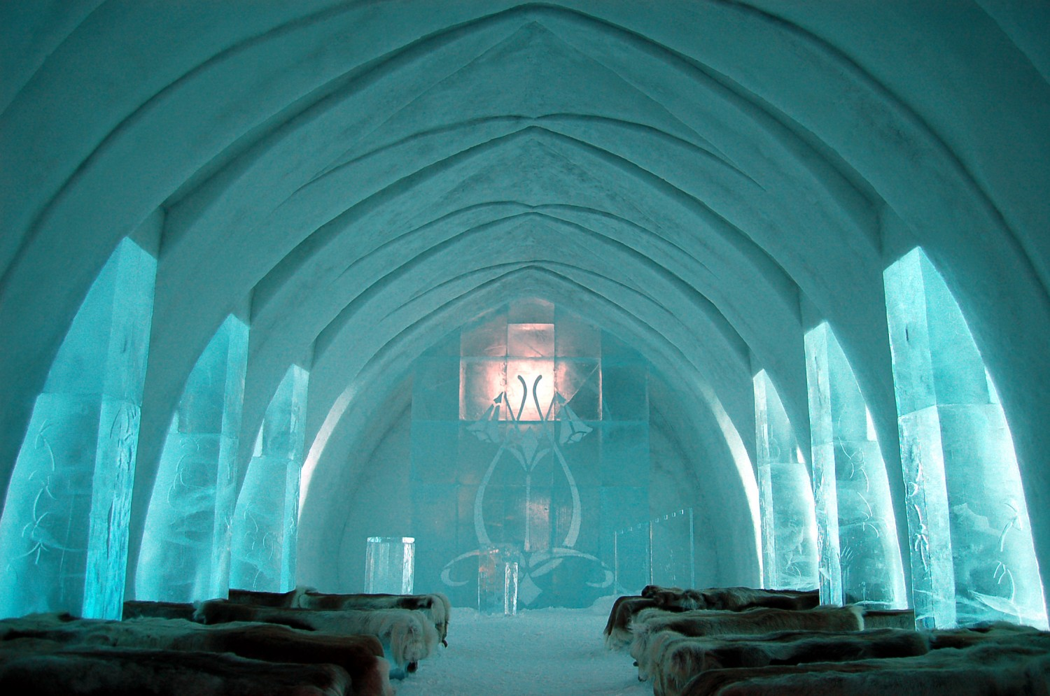 Ice Hotel Church Jukkasjärvi e1452566359928
